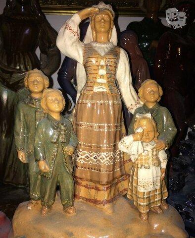 Brangiai statulėles Kauno dailės