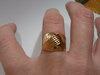 Auksinis nuostabus žiedas