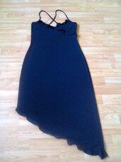 Suknelė juodos spalvos