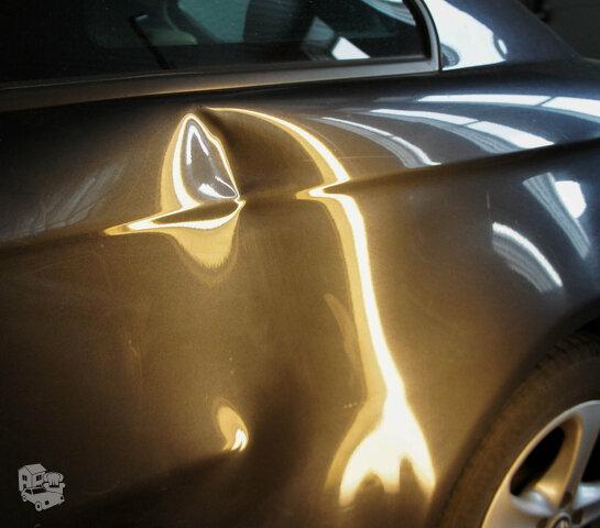 Automobilių įlenkimų ir duobučių lyginimas