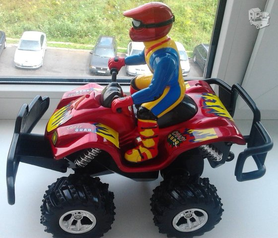 Rc valdomas keturratis motociklas